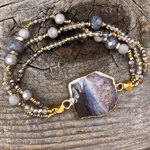 Jewelry - Agate stone Bracelet With crystal Beads
